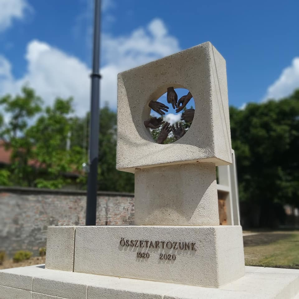 Az új piliscsabai Nemzeti Összetartozás Emlékmű